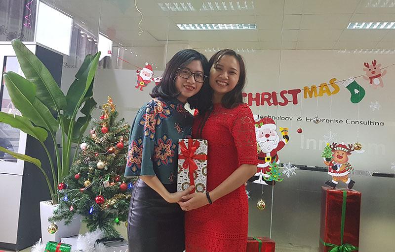 Tặng quà Giáng sinh